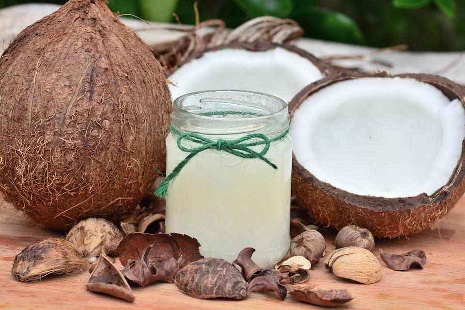 Olej kokosowy na suche włosy