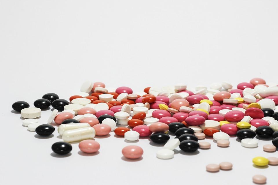 drożdże w tabletkach na włosy
