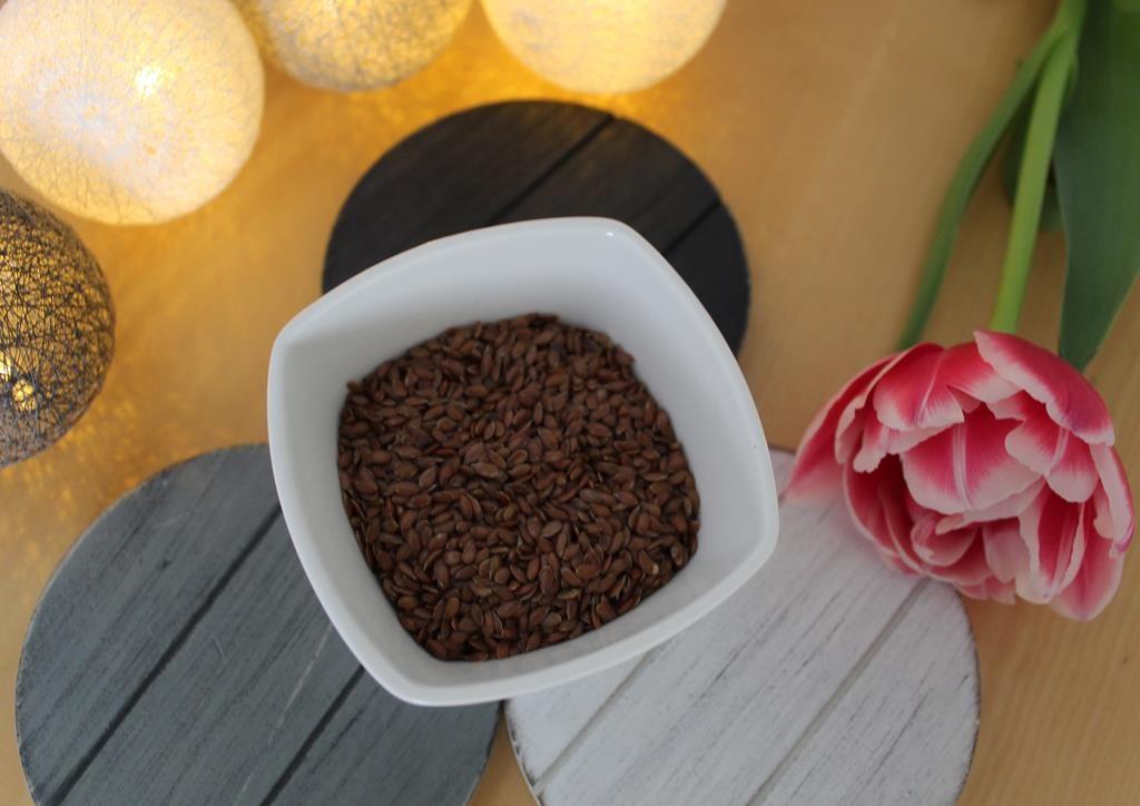 maseczka z siemienia lnianego na wypadanie włosów po ciąży