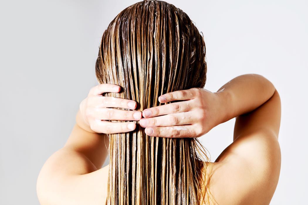 stosowanie wcierek do włosów